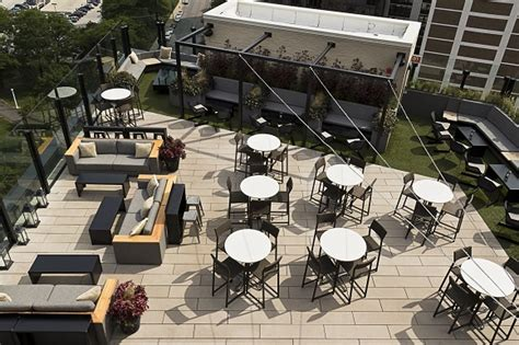 top rooftop bars in chicago top 5 rooftop bars in chicago liligo com