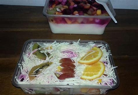 cara membuat salad buah menggunakan yogurt 2 cara membuat salad buah yoghurt saus mayo keju a la