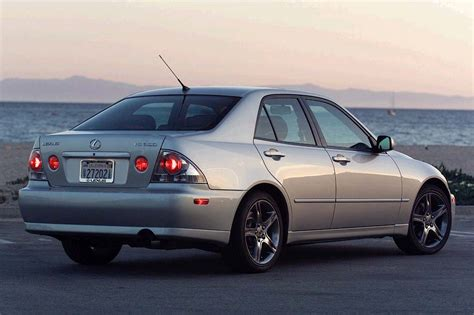 used lexus is 300 2001 05 lexus is 300 consumer guide auto