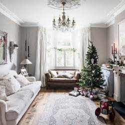 Timeless ideas for christmas living rooms traditional christmas