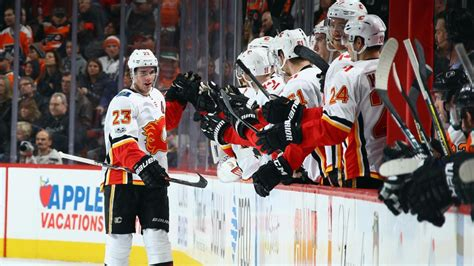 haircut cranston calgary monahan gets first nhl hat trick flames defeat flyers