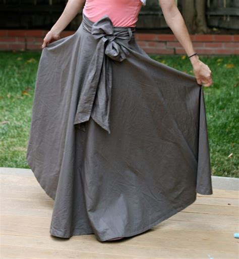 make a maxi skirt from a bed sheet mabey she made it