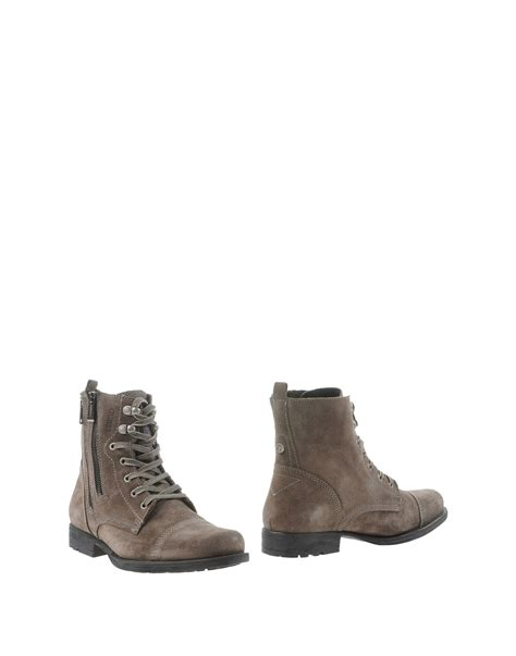 guess boots guess ankle boots in gray for lyst