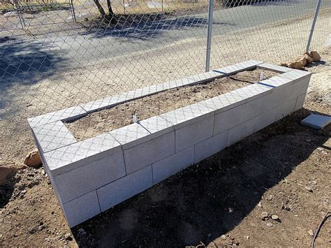 Raised Garden Bed On Concrete Patio by Best 25 Cinder Block Garden Ideas On Diy