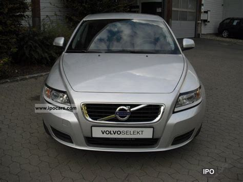 old cars and repair manuals free 2011 volvo xc60 windshield wipe control service manual 2011 volvo v50 temperature control motor removal service manual 2011 volvo