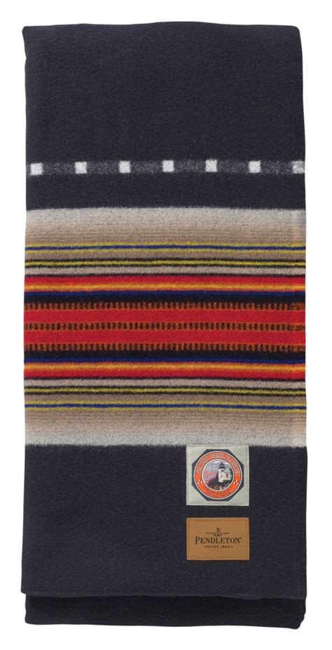 pendleton rugs 1000 ideas about pendleton blankets on woolen mills pendleton wool blanket and