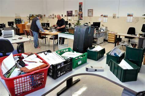 ufficio oggetti smarriti roma 37mila oggetti smarriti nel 2015 ci sono anche