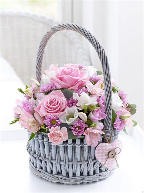 1000 images about bautizo beto on flower basket mesas and baptisms 1000 images about flowers in basket on flower basket baskets and florists