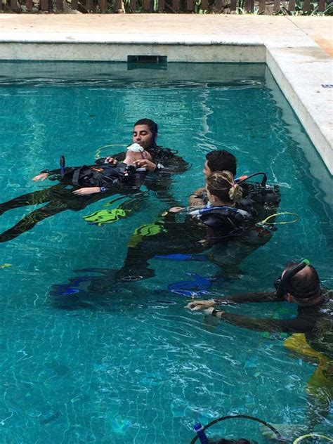 padi dive master divemaster praktikumsprogramm mit dressel divers