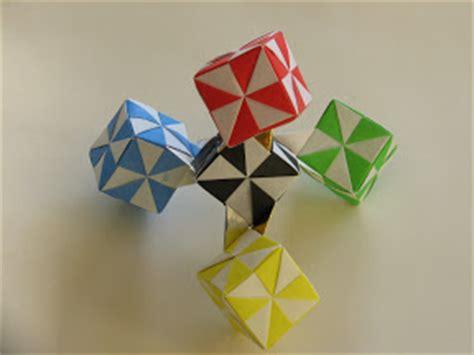 Origami Pinwheel Cube - origami