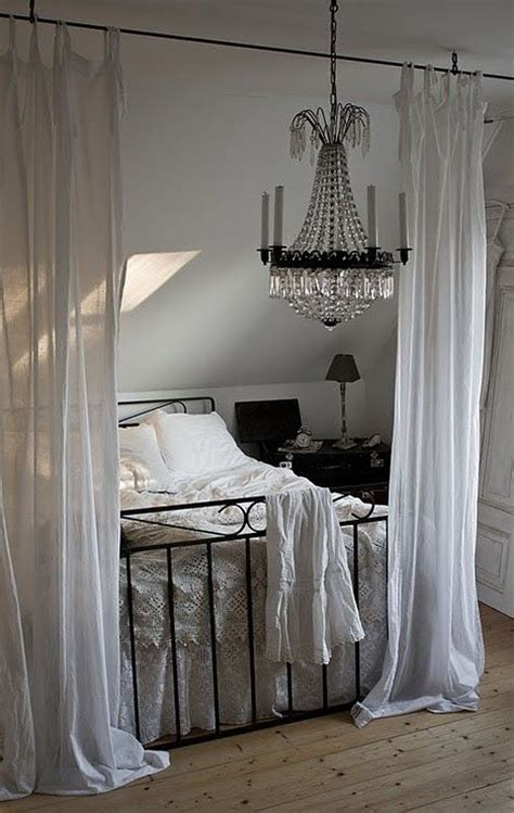 drapes on ceiling bedroom best 25 slanted ceiling bedroom ideas on pinterest