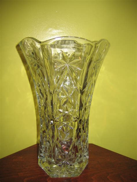 Antique Flower Vase by Vintage Clear Cut Glass Flower Vase Item 1022 For Sale