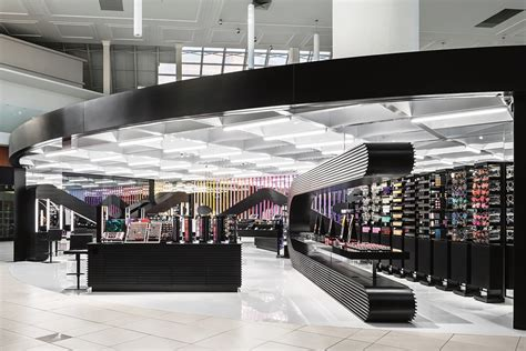 Lipstik Shop mac cosmetics opening new stores specifically for youth stylecaster