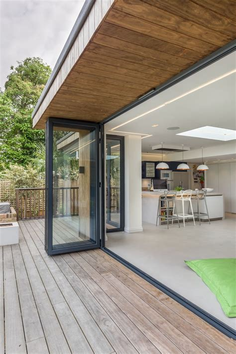 Flat Roof Overhang 25 Best Ideas About Roof Overhang On Modern
