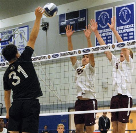 section v boys volleyball cif ss div iii chionship valley christian surges in