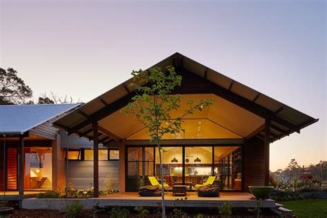 modern australian farm house with passive solar design 1