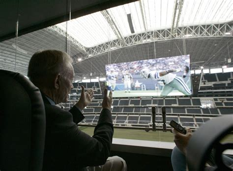 Jones Box Office by Dallas Cowboys Owner Jerry Jones Paid For Chris Christie S