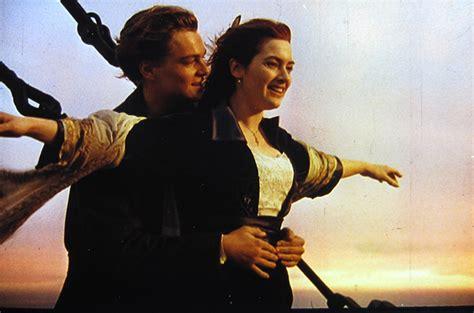 titanic front boat scene 10 cheesy love scenes that make you hurl box office scoop