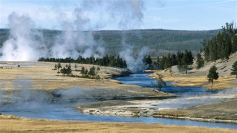 free wallpaper yellowstone national park nature geysers yellowstone national park wyoming