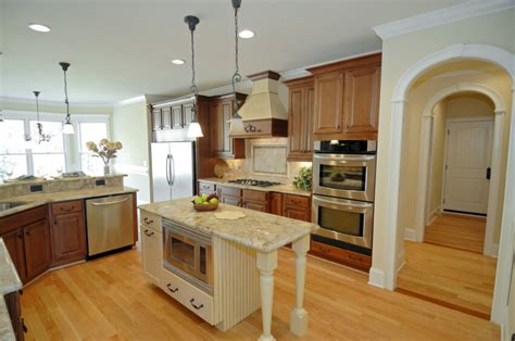 honey colored kitchen cabinets 52 enticing kitchens with light and honey wood floors