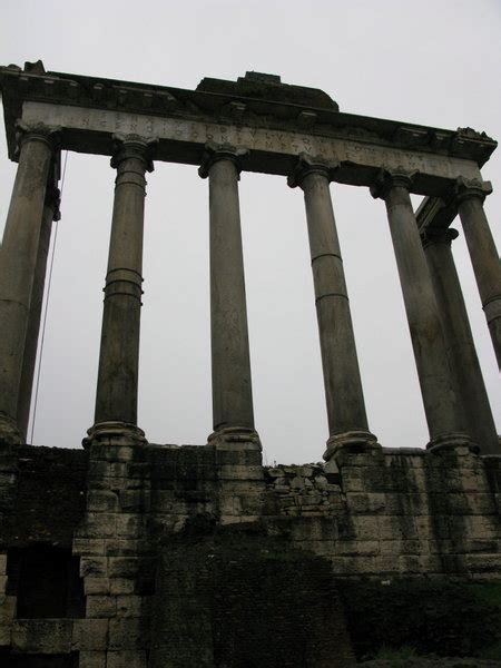 facade   roman senate building photo