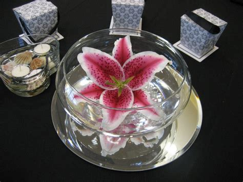 stargazer centerpieces flowersbydiana stargazer reception table