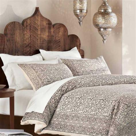 moroccan headboard 27 interior designs with moroccan lanterns messagenote