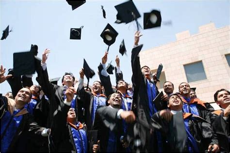 Mba Graduates In India by At India S Top Business School The Are Plentiful
