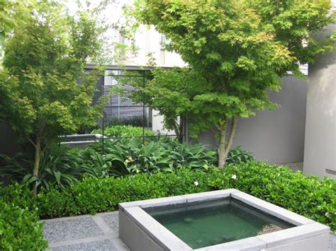small courtyard design small courtyard ideas mirrors give an impression of