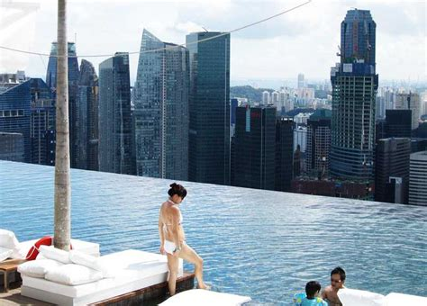 Singapore Rooftop Pool: Amazing Sights from the Skyscraper   HomesCorner.Com