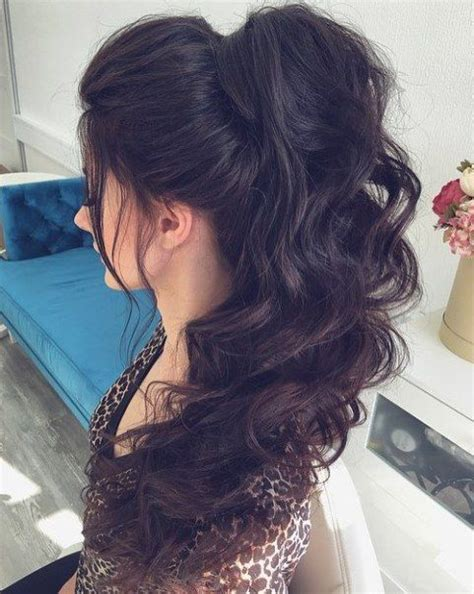 30 eye catching ways to style curly and wavy ponytails 25 b 228 sta curly ponytail hairstyles id 233 erna p 229 pinterest