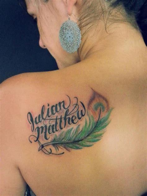 imagenes de tatuajes de nombres en la espalda tatuajes de plumas con nombres