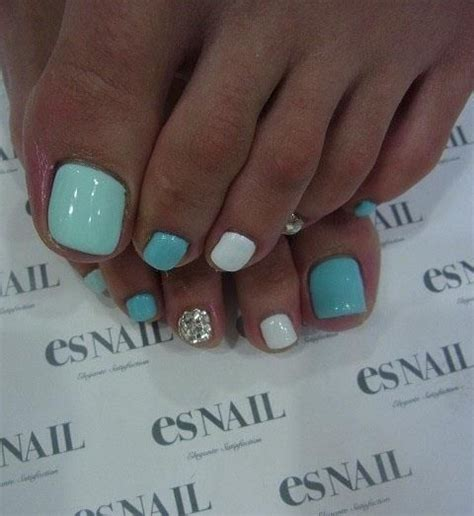 toe colors best 25 toe nail ideas on essie nail