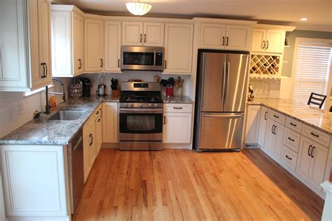 Kitchen Cabinets And Counter Tops Charleston Cabinetry Charleston Sc Kitchen Cabinets Countertops And Hardware