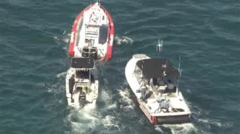 sinking boat florida 4 rescued from sinking boat off dania beach wsvn 7news