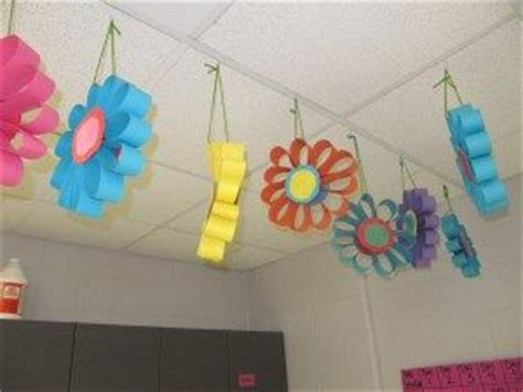 Preschool Ceiling Decorations by Flower The Edge And Circles On