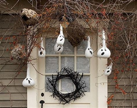 best halloween home decorations best tips for hanging halloween decorations home decor buzz