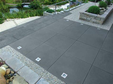 terrassenplatten bilder greyline betonplatte terrassenplatten pflastersteine