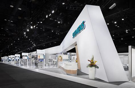 booth design lighting lighting the booth for siemens at rsna in chicago plsn