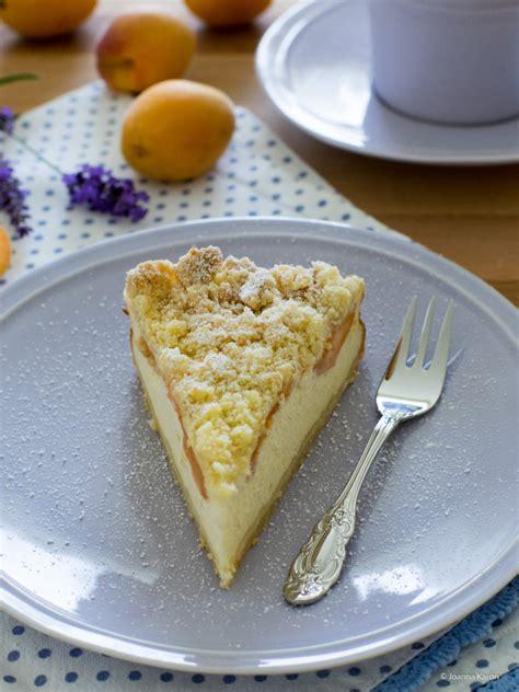 kuchen mit aprikosen ricotta aprikosen kuchen mit knusprigen streuseln die