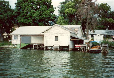 boathouse dressing lake virginia boathouse