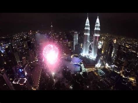 new year 2016 kuala lumpur countdown fireworks new year 2016 klcc kuala lumpur