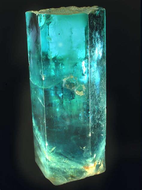 Aquamarine Beryl 2 beryl var aquamarine known as the quot emperor of india quot 9 8 kg 160x320 mm stones and gems