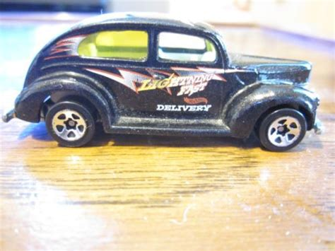 hot wheelss ford fat fender  door lightning fast delivery chase nice ebay stuff