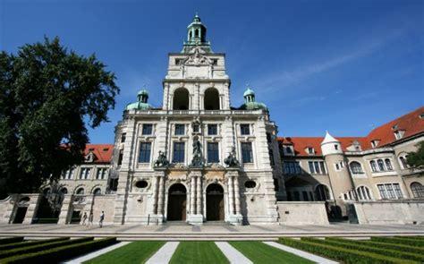 bayerisches nationalmuseum restaurant sehenswuerdigkeiten m 252 nchen bayerisches nationalmuseum