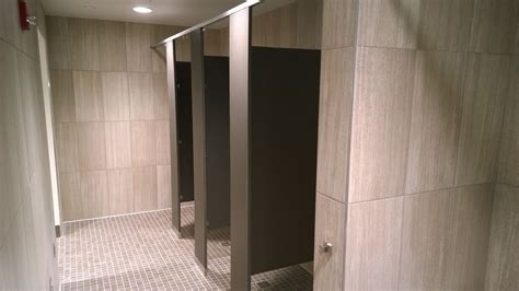 Bathroom Partitions Mn Scranton Products Lockers Partitions Help Reshape