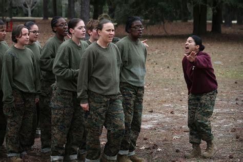 female regulations marine corps presentation marine corps quietly postpones fitness requirement for women