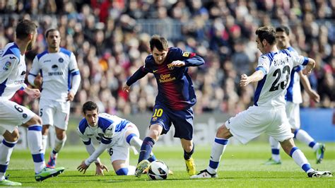 lionel messi dribbling ultra hd wallpaper uhd wallpapers net