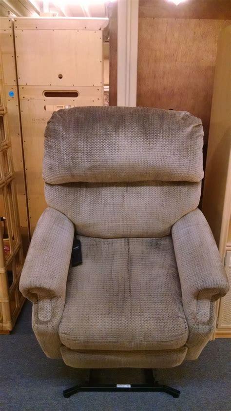 Berkline Lift Chair by Berkline Lift Chair Delmarva Furniture Consignment