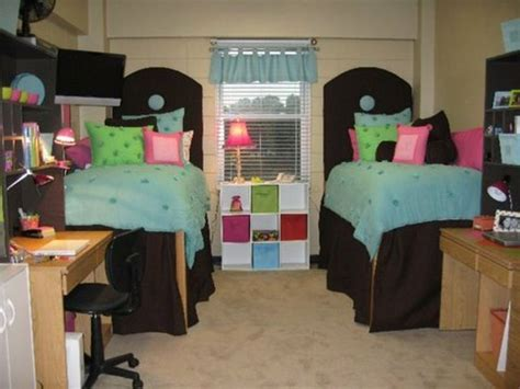dorm bathroom decorating ideas dorm life creating a cool college dorm room dig this design